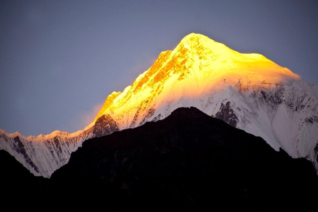 Vette innevate dell'Himalaya