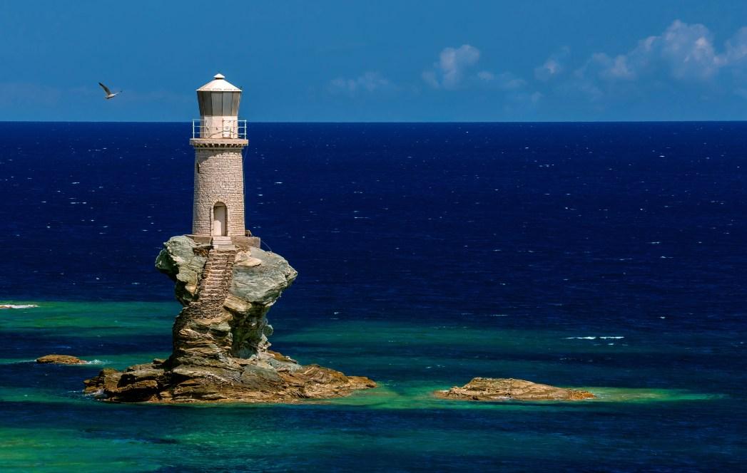 Faro de Tourlitis en Grecia