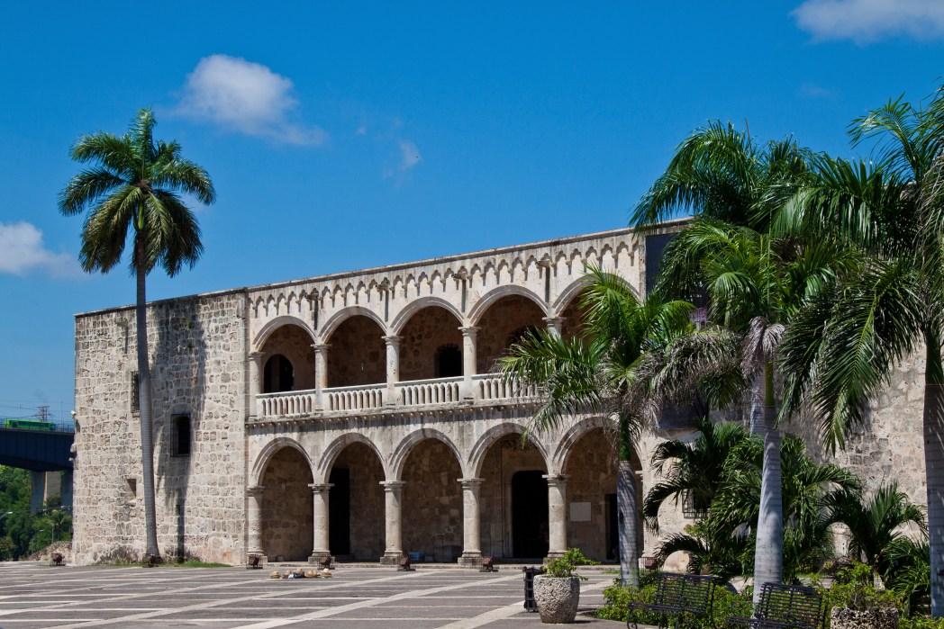 Facciata del Palazzo Alcazar de Colon
