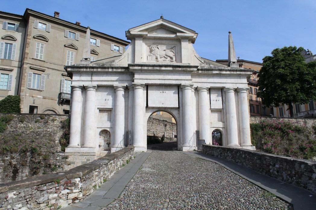 Bergamo cosa vedere: Porta di Sant'Alessandro, Bergamo Alta