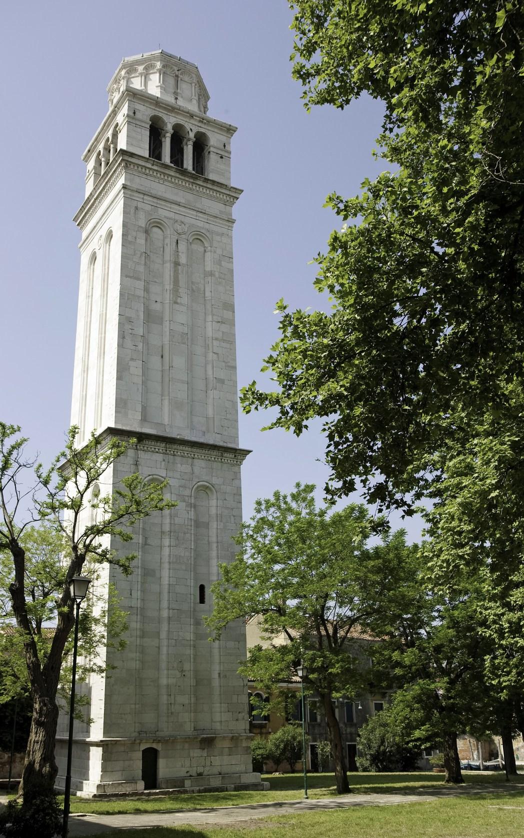 vista del campanile di san pietro di castello a Venezia