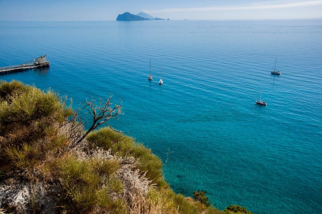 Un paesaggio mozzafiato di Panarea, Isole Eolie