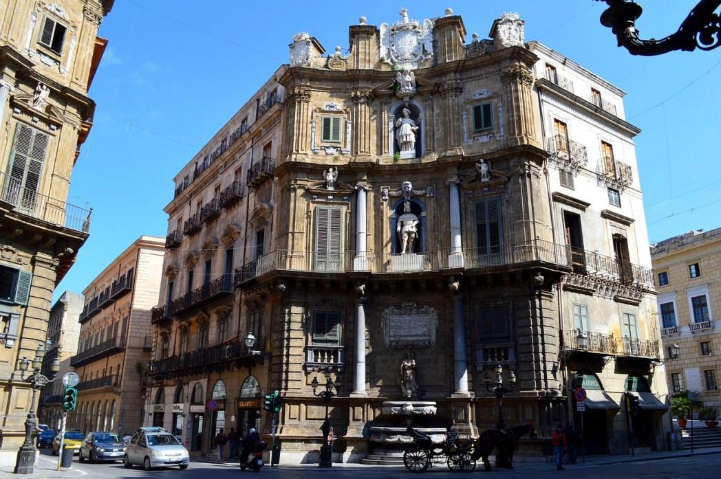 Quartieri di Palermo: Quattro Canti