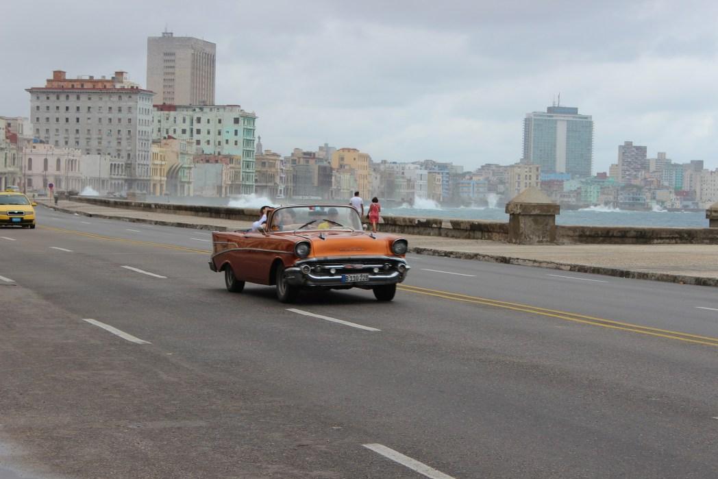 Grandi viaggi low cost: Malecon, Cuba