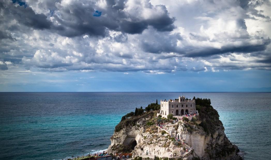 Santa Maria dell'Isola Tropea Calabria