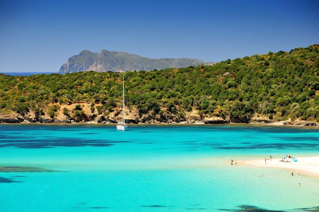 Le 15 spiagge pi belle della sardegna skyscanner italia for Isola che da il nome a un golfo della sardegna